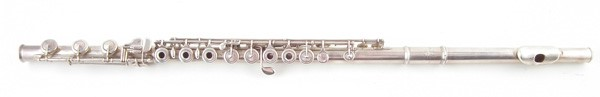 Rudall Carte flute sold £700
