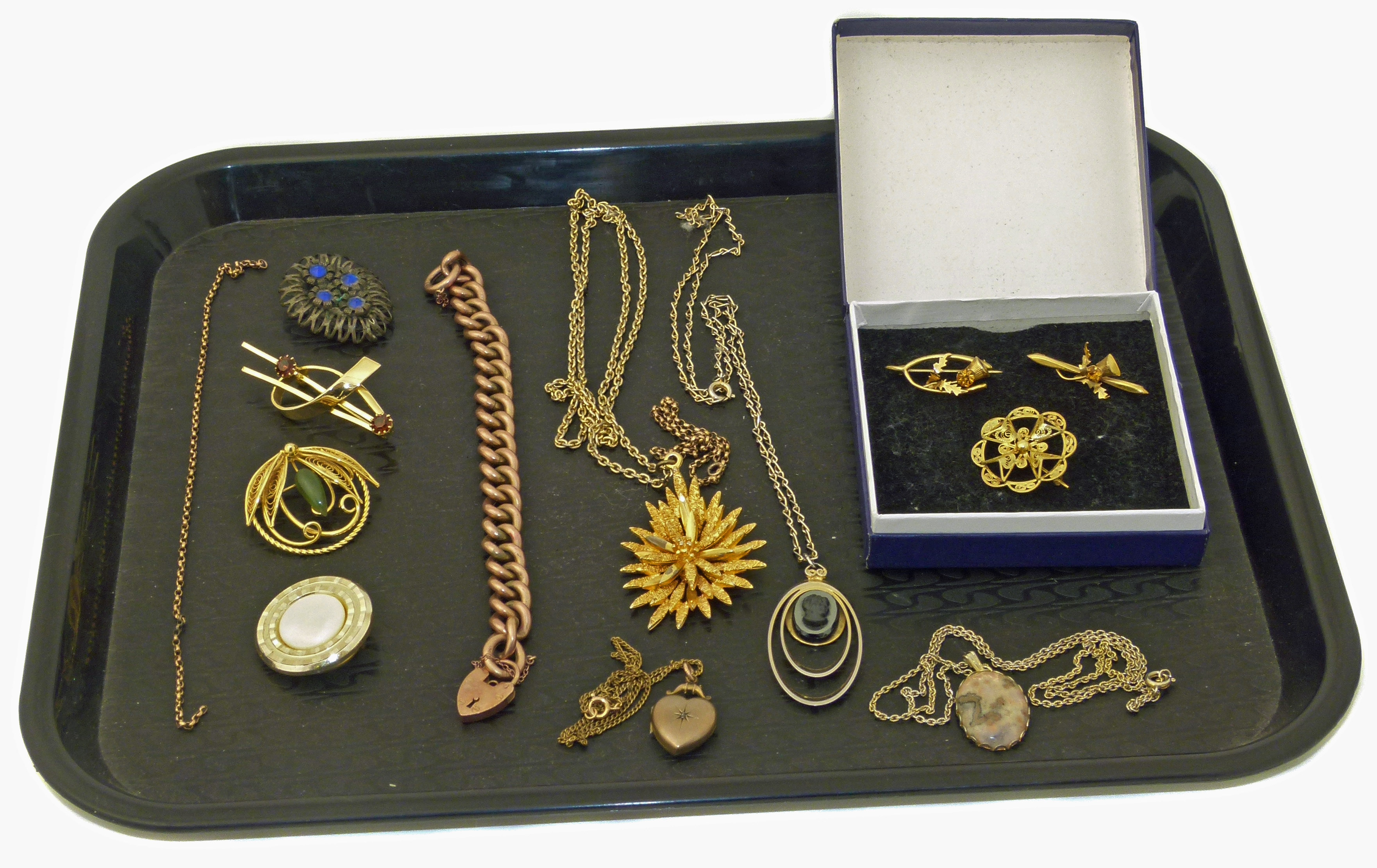 A selection of jewellery,