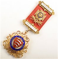 Lot 217-Boxed 9ct gold and enamelled RAOB medallion