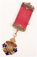 Lot 225-Small boxed 9ct gold and enamelled RAOB President medallion, for the Knights Chapter dated 1932.