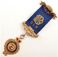 Lot 226-Small boxed 9ct gold and enamelled RAOB medallion