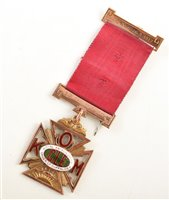 Lot 228-Small boxed 9ct gold and enamelled RAOB medallion