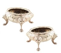 Lot 80-Pair of white metal salts and a silver salt spoon (3).