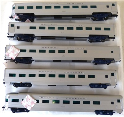 Lot 168-Boxed Weaver Models reading crusader aluminium 5 car passenger set gold edition