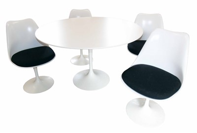 Lot 512-Eero Saarinen for Knoll tulip table & four tulip chairs