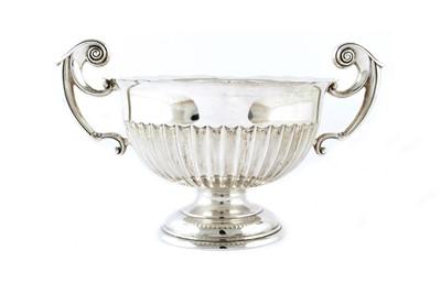 Lot 16-An Edwardian silver twin-handled bowl
