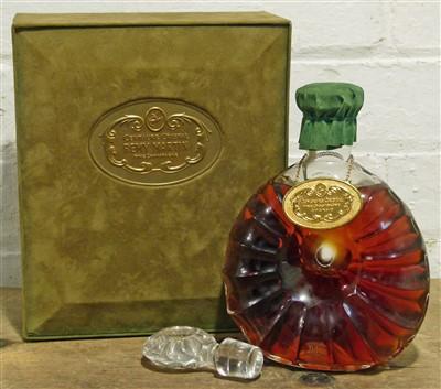 "Lot 61 - 1 Baccarat Decanter Cognac Remy Martin ""Centaure Cristal"""