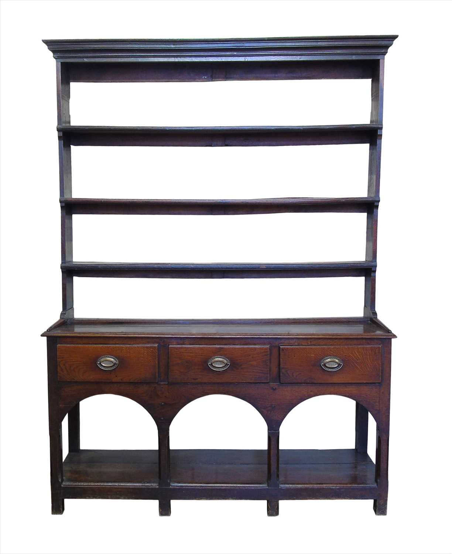 324 - Late 18th century oak dresser