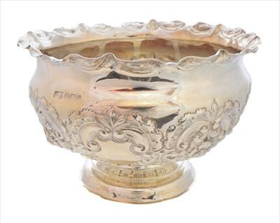 Lot 43-An Edwardian silver bowl