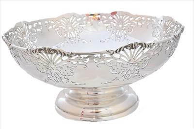 Lot 51-An Elizabeth II silver fruit bowl