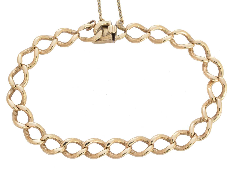 Lot 4-A 9ct gold bracelet