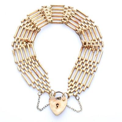 Lot 5-A 9ct gold bracelet