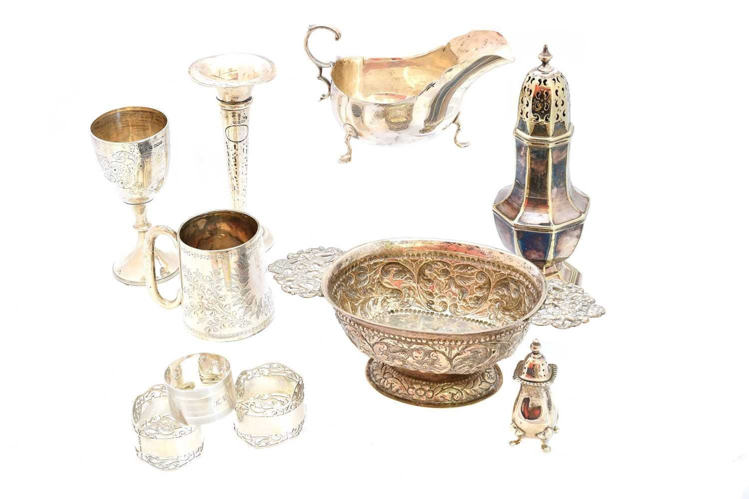 Lot 39-A selection of silver and white metal items