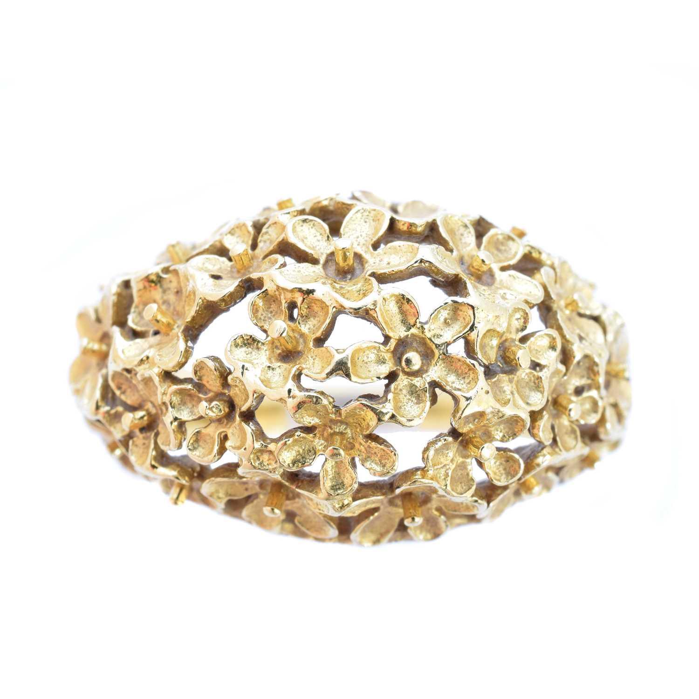 Lot 131-A 1970s 18ct gold dress ring by Stuart Devlin