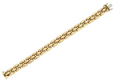 Lot 10-A 9ct gold bracelet