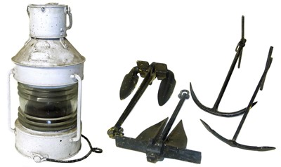 Lot 3-White painted ships mast head lamp