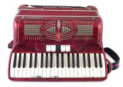 Lot 49-Silvestrini piano accordion