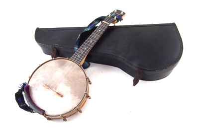 Lot 20-Windsor Whirle Banjolele or ukulele banjo with original case.
