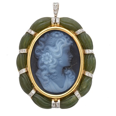 Lot 19-An 18ct gold hardstone cameo brooch