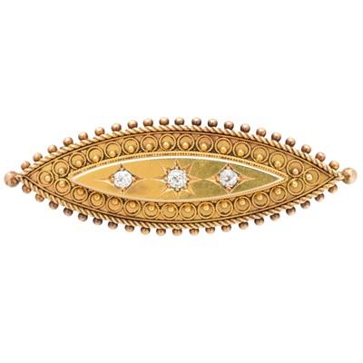 Lot 34-A late Victorian diamond brooch