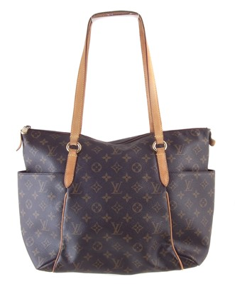 Lot 23-A Louis Vuitton Monogram Totally MM handbag