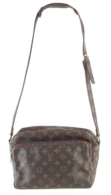 Lot 31-A Louis Vuitton Monogram Nil handbag