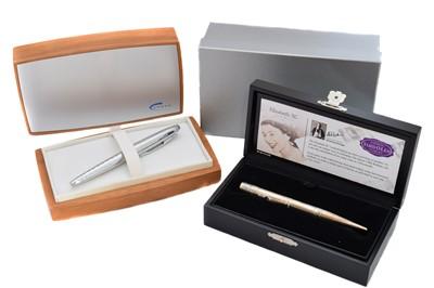 Lot 121 - A large assortment of various designer pens and pencils.
