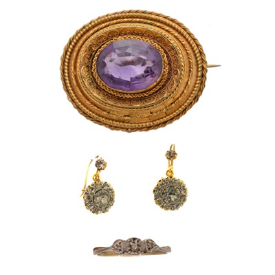 Lot 34-A selection of jewellery