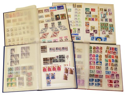 Lot 80-All World collection in 4 stockbooks
