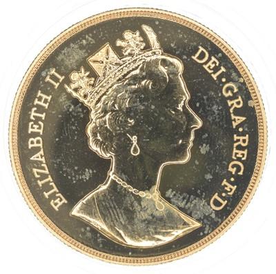 Lot 80-Queen Elizabeth II, Five pounds, 1987, BU.