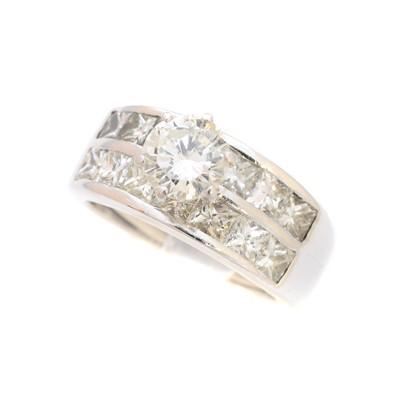 Lot 217-A diamond dress ring