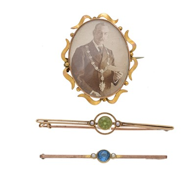 Lot 27-Three early 20th century brooches