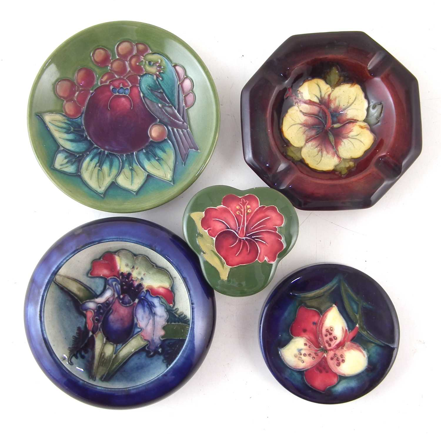 Lot 201 - Collection of small Moorcroft items.