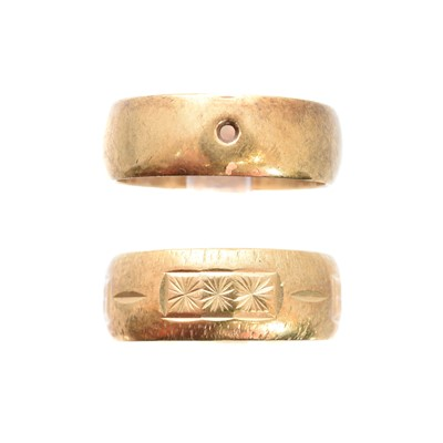 Lot 132 - Two 9ct gold band rings
