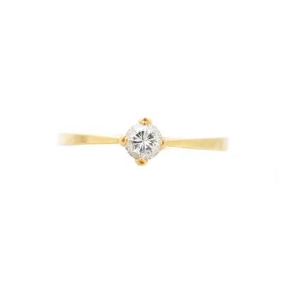 Lot 133 - An 18ct gold diamond single stone ring