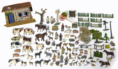Lot 14-Collection of lead farm animals and a barn  possibly by Britains