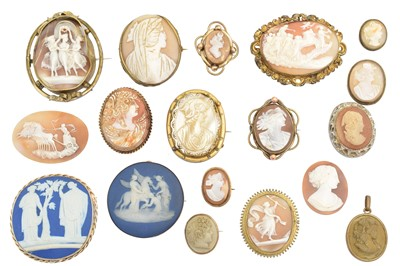 Lot 96 - A large collection of loose cameos and cameo set jewellery