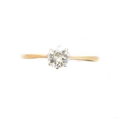 Lot 208 - A diamond single stone ring