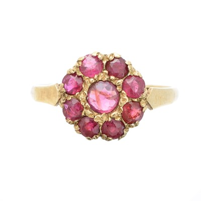 Lot 138 - A 9ct gold ruby cluster ring