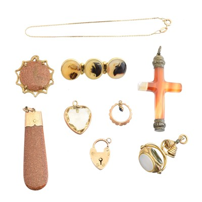 Lot 92 - A selection of jewellery