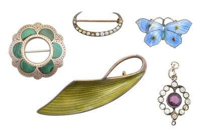 Lot 31-A selection of silver jewellery