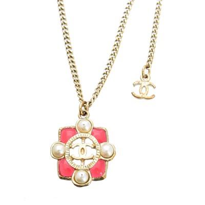 Lot 3-A Chanel pendant necklace