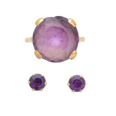 Lot 24 - A selection of amethyst jewellery