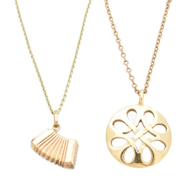 Lot 88 - Two pendants