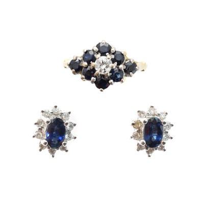 Lot 121 - A selection of 18ct gold sapphire and diamond jewellery