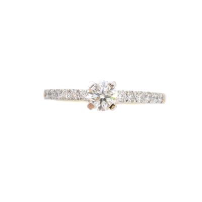 Lot 159 - An 18ct gold diamond single stone ring