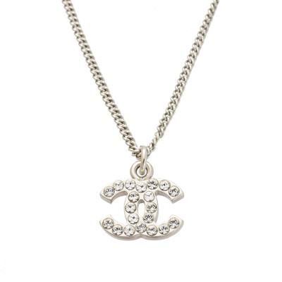 Lot 113 - A Chanel pendant necklace