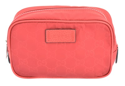 Lot 7-A Gucci cosmetic case pouch