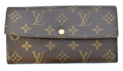 Lot 55 - A Louis Vuitton Sarah Wallet