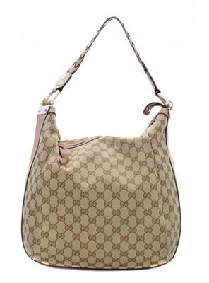 Lot 36-A Gucci Bamboo Bar Hobo Shoulder Bag